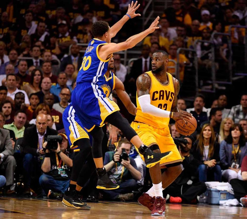 LeBron-James-Steph-Curry-26